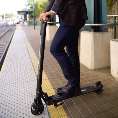 Swagtron Swagger Carbon Fiber High Sd Electric Scooter Image Gallery Swipe Left Right To See More